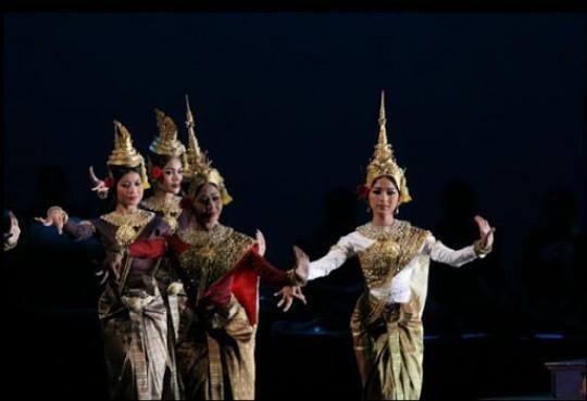 Lakhaon Poul Srei (Female Masked Theatre)